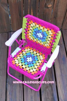 Folding Chair Crochet-Over.  I would love to do this!!