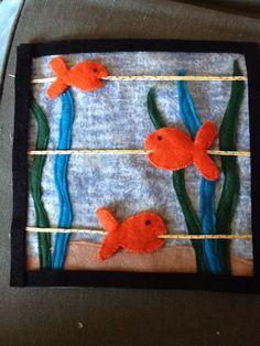 quiet book | deliciously crafty {lembra banheira de bebe com peixinhos}