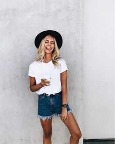 casual outfit | black hats | frayed denim shorts | white tee | summer | blondes
