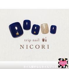 ネイル デザイン 画像 1477448 ゴールド ネイビー シンプル ラメ ワンカラー オールシーズン ソフトジェル フット Love Nails, How To Do Nails, Pretty Nails, Urban Nails, Aztec Nails, Nails 2017, Feet Nails, Toe Nail Designs, Toe Nail Art