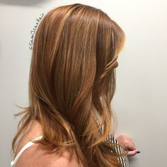 ♭ℓḙℵᖱḙᖱ  I used my negative space technique to highlight my clients hair with lowlights for a natural look...  #NegativeSpaceHighlights