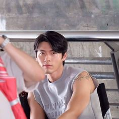 Sunday again 😭 >>> Credit and Thank to the Owner Hyun Bin, Asian Actors, Korean Actors, Mr Bin, Good Jawline, Kim Joon, Photography Poses For Men, Kdrama Actors, Korean Celebrities