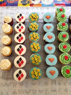 DC Superhero Girls Cupcakes. Harley Quinn, Bumble Bee, Super Girl, Poison Ivy