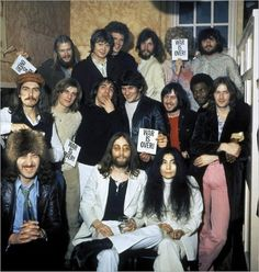 December John and Yoko join George and Eric Clapton for a backstage picture with Delaney, Bonnie & Friends at the London Lyceum Ballroom Liverpool, John Lennon Yoko Ono, John Lennon 1969, Alan White, Billy Preston, El Rock And Roll, The Yardbirds, The Fab Four, Classic Rock