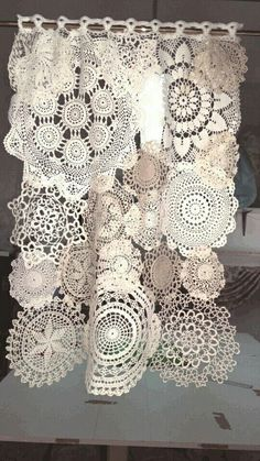 Doilies Crafts, Lace Doilies, Crochet Doilies, Fabric Crafts, Sewing Crafts, Sewing Projects, Filet Crochet, Crochet Projects, Crochet Curtains