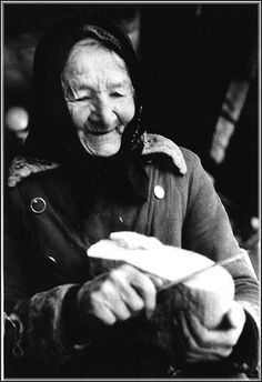 Peter Bercik - portrait of a woman with bread Heart Of Europe, Vintage Pictures, Female, History, Portrait, Photography, Hungary, Life, Strong