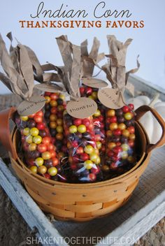 Easy Indian corn Thanksgiving favors, these would be fun to give away to all November guests!