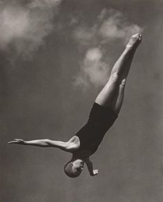 diver, 1936 • leni riefenstahl. i would so frame this for decor