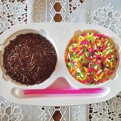 #ミックスカラースプレー - Hash Tags - Deskgram Chocolate Sprinkles, Cereal, Candy, Breakfast, Food, Morning Coffee, Chocolate Chips, Essen, Meals