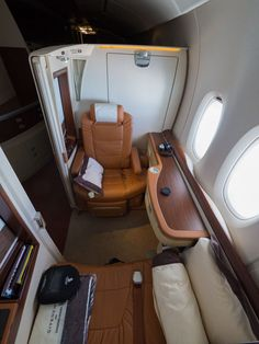 Singapore Airlines Suites - UpForaFeed of First Class Airline, Flying First Class, First Class Flights, First Class Seats, Airplane Interior, Yacht Interior, Private Jet Interior, Aircraft Interiors, Luxury Private Jets