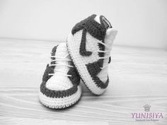 Crochet baby shoes Crochet baby booties 0-3 months Athletic shoes Crochet sneakers Nike sneakers Air Jordan Baby Black and white by Yunisiya on Etsy