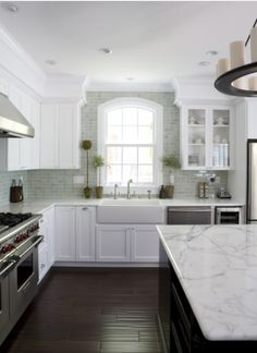4 Great Countertop Colours for White Kitchens