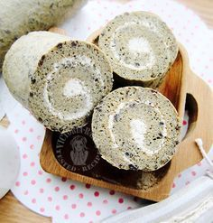 bubur pulut hitam chiffon swiss roll ~ highly recommended 黑糯米粥戚风蛋糕卷 ~强推