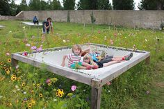 Vivement les beaux jours Modern Playground, Backyard Playground, Backyard For Kids, Backyard Projects, Outdoor Projects, Backyard Patio, Outdoor Fun, Outdoor Spaces, Outdoor Decor