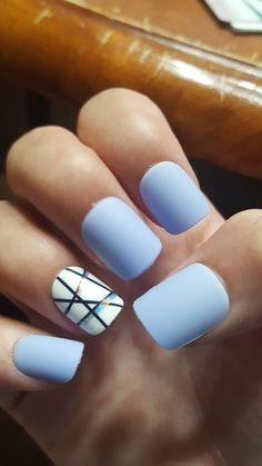 Unique Minimalist Nail Art Designs With Lines - Myeva For . Violet Pastel, Bleu Pastel, Gomme Laque, Light Blue Nails, Minimalist Nails, Toe Nails, Polish Nails, Nail Nail, Blue Shellac Nails