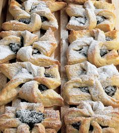 Joulutorttu are a Christmas treat in Finland - pastry windmill-shaped tarts with a prune jam filling. Gourmet Recipes, My Recipes, Sweet Recipes, Favorite Recipes, Finnish Recipes, Portuguese Recipes, Portuguese Food, Finland Food, Finland Travel