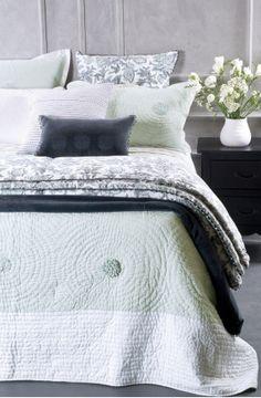 chantilly bedspread