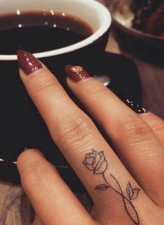 45 Meaningful Tiny Finger Tattoo Ideas Every Woman Eager To Paint! - Page 10 of 45 - Fashionsum Blog