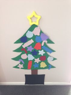 Our first Christmas Craft for 2013 - Felt Christmas tree & decorations
