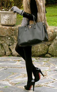Fashion and Style Blog / Blog de Moda . Post: Set of Accessories / Conjunto de Accesorios See more/ Más fotos en : http://www.ohmylooks.com/?p=5993 by Silvia García Blanco