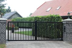 Front Gate Design, House Gate Design, Driveway Landscaping, Driveway Gate, Front Gates, Entrance Gates, Lake Tapps, Sliding Gate, Copper