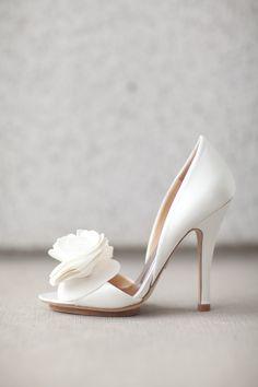 22 wedding shoes for bride - bride heels high heels shoes bride heels 22 Gorgeous shoes for bride Wedding Shoes Bride, White Wedding Shoes, Bride Shoes, Shoes For Brides, Wedding High Heels, Boho Wedding, Fashion Models, Fashion Shoes, Badgley Mischka Shoes Wedding