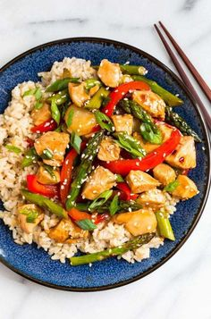 Easy, healthy Teriyaki Chicken Stir Fry with Vegetables. Better than take out! This healthy meal comes together in a flash and uses everyday ingredients. Healthy Teriyaki Chicken, Teriyaki Stir Fry, Healthy Chicken Recipes, Teriyaki Sauce, Asian Recipes, Chicken Meals, Recipe Chicken, Chicken Rice, Thai Recipes
