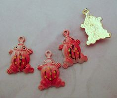 Vintage red cold enamel aluminum frog charms 15x11mm. Hand painted in Japan - f2606
