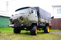 UAZ 3303 on tracktor wheels 4x4, Bus Engine, Utility Truck, Camper Van, Offroad, Toyota, Classic Cars, Automobile, Monster Trucks