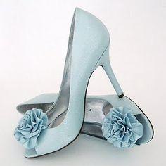 Martinez Valero Vida Pale Blue Wedding Shoes with Flower Cute Shoes, Me Too Shoes, Pretty Shoes, Baby Blue Weddings, Wedding Blue, Wedding Heels, Trendy Wedding, Green Weddings, Tiffany Wedding