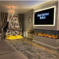8 Cheap Things to Maximize a Small Bedroom. Luxury Living Room, Living Room Color, Living Room Decor Fireplace, Fireplace Design, House Styles, Home Decor, House Interior, Home Decor Store, Home Decor Shops