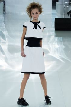 Beautiful and simple outfit  #Chanel in #ParisFashionWeek #SpringSummer2014