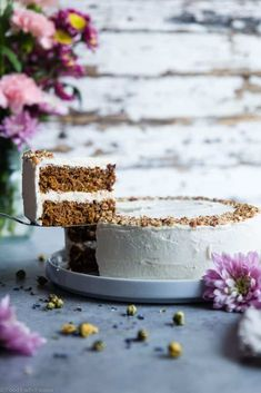 The BEST Gluten Free Vegan Carrot Cake -This one bowl, healthy carrot cake is SO moist and tender, you'll never know it's plant based, made without eggs and is gluten/grain/dairy/refined sugar free! Perfect for Easter!   #Foodfaitfitness   #Vegan #Easter #Glutenfree #DairyFree #Carrotcake