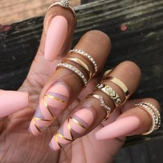 Light Pink And Gold Nail Colors | Zig Zag Nail Design Art | Matte Pink Nails | Valentines Day Nails | Inspo for Valentine | Gold Rings | Coffin Acrylic Nail Design #valentine #nailart #zigzag #gold #valentinesday #nails #nail #naildesign Pin: @amerishabeauty
