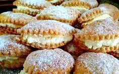 אורה ארגוב עם המתכון הכי קל לקרמשניט - עוגיות קרמשניט קלות וממכרות שמכינים עם בצק עלים. עוגיות מושלמות לאירוח בקלות ובמהירות.