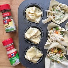 Chicken Pot Pie Bundles are a healthy version of classic chicken pot pie. Your family will be wowed by these adorable bundles. (insert blog link here). Big flavor boost from @mccormickspice garlic powder and dried basil.  #ad #mccormickspice https://www.lizshealthytable.com/2017/04/29/chicken-pot-pie-bundles/