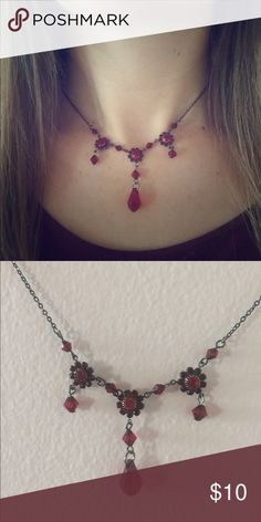 Red stone necklace Beautiful red necklace with adjustable back to attain correct length Jewelry Necklaces