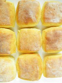 sio-smutki! Monika od kuchni: Śniadaniowe bułki z mlekiem w proszku Savoury Baking, Bread Baking, Hot Dog Buns, Hot Dogs, Bread Rolls, Menu, Food, Baking, Menu Board Design