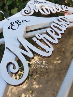 Umeras pentru mireasa Ella   #annecreeaza  #umerase #weddingdetails Calligraphy, Weddings, Bride, Art, Wedding Bride, Art Background, Lettering, Bridal, Wedding