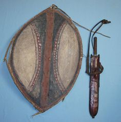 Massai shield African shield A fine painted shield www.swordsantiqueweapons.com