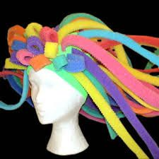 Discover recipes, home ideas, style inspiration and other ideas to try. Crazy Hat Day, Crazy Hats, Foam Wigs, Female Clown, Big Face, Rainbow Fashion, Steampunk, Mannequin Heads, Fiesta Party