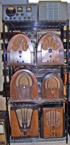 David& Other Hobby - Antique Radios and TVs Retro Radios, Old Time Radio, Antique Radio, Transistor Radio, Phonograph, Vintage Iron, Old Tv, Tv On The Radio, Art Deco Design