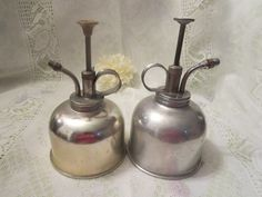 Vintage Oil Cans by MemaAntiques on Etsy