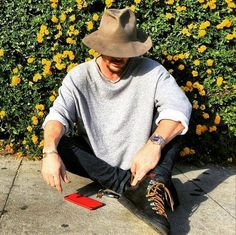 """smacksmash: """" Chillin with my flower friends on the sidewalk in bev hills, hope all is well with everyone """" Thirty Seconds To Mars, 30 Seconds, Love And Lust, My Love, Jered Leto, Mars Photos, Life On Mars, Shannon Leto, In Hollywood"""