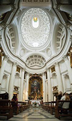 """//San Carlo alle Quattro Fontane (1638 - 1641), """"San Carlino"""". Interior. Francesco Borromini (1599 - 1667). Roma. Consagrada a San Carlos Borromeo. Patronazgo del Cardenal Francesco Barberini. Estilo Barroco. #church #architecture"""