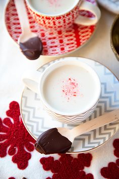 PEPPERMINT ALMOND STEAMER WITH A CHOCOLATE TWIST