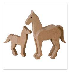 Items similar to Caballo de madera hechos a mano, juguetes de madera naturales, orgánicos para niños on Etsy