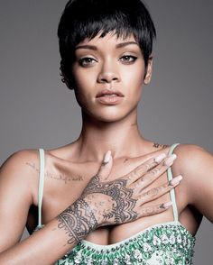 50 Best Rihanna Hairstyles in 2017 Check more at http://hairstylezz.com/best-rihanna-hairstyles/