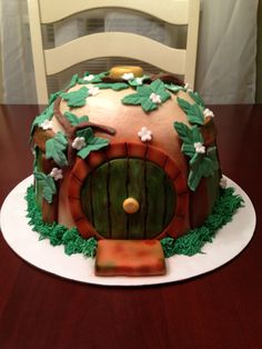 Hobbit house cake lord of the rings