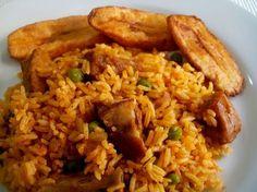 Arroz con costillas de cerdo de Los Antojos de Clara Couscous Recipes, Rice Recipes, Pork Recipes, Healthy Recipes, Jardinera Recipe, Arroz Recipe, Honduran Recipes, Honduran Food, Bolivian Food